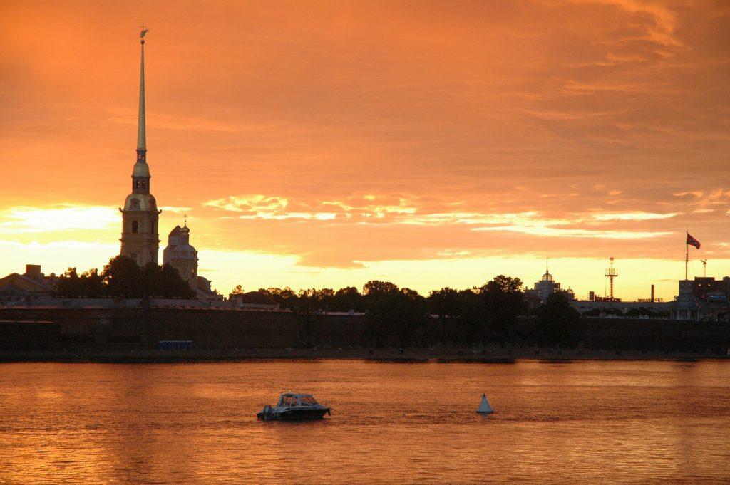 Петропавловская крепость на закате